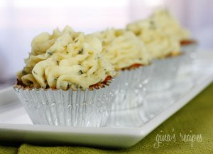 Skinny-Meatloaf-Cupcakes-with-Mashed-Potato-Frosting