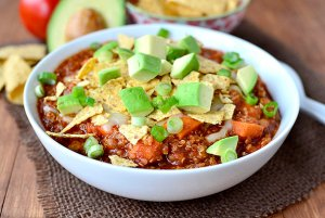 Crock-Pot-Sweet-Potato-Quinoa-Turkey-Chili-02_mini
